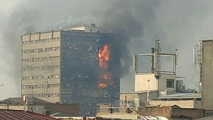 plasco_building_on_fire_by_emi_uploaded_by_mardetanha_2